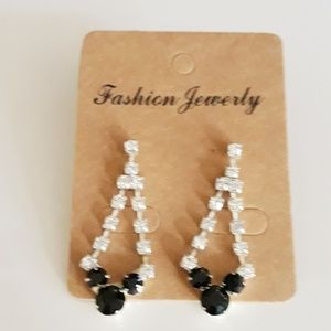 Vintage Dangle Rhinestone Earrings Black White